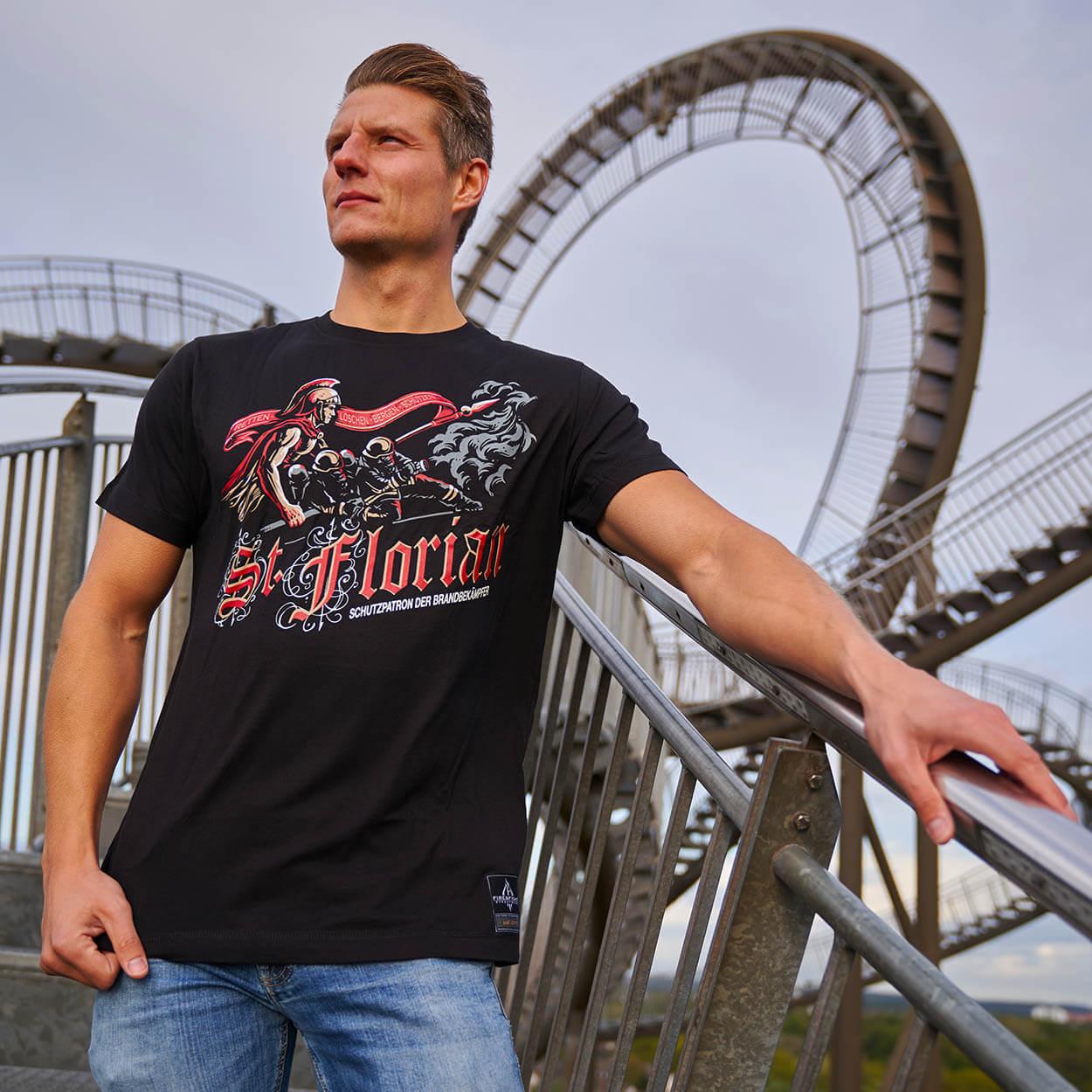 Heiliger Florian Design - Männer T-Shirt schwarz