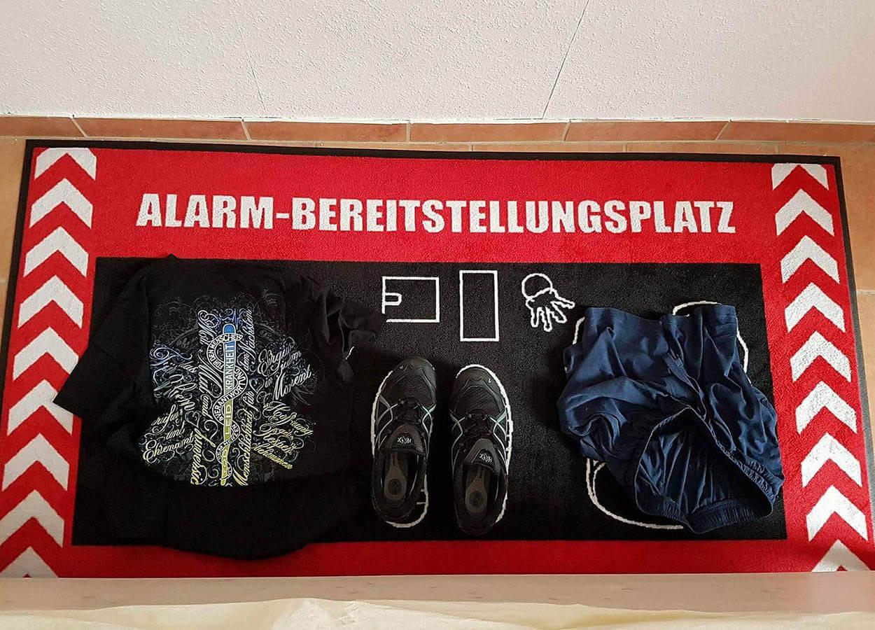 Alarmbereitstellungsplatz Feuerwehr Teppich