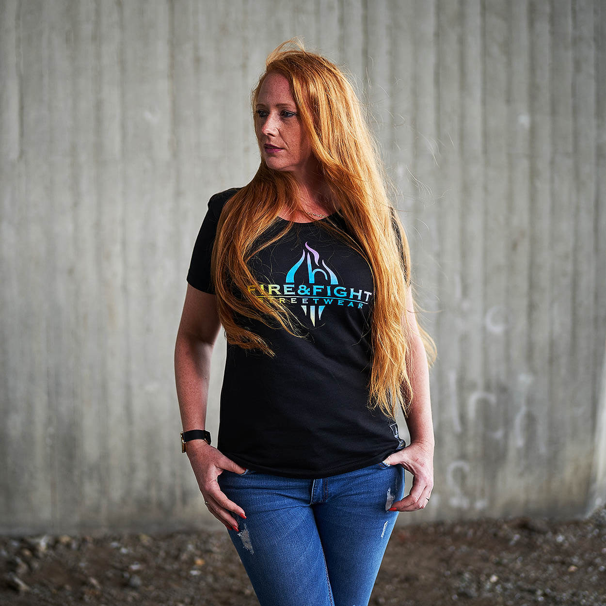 FIRE & FIGHT Streetwear® Logodesign Frauen T-Shirt