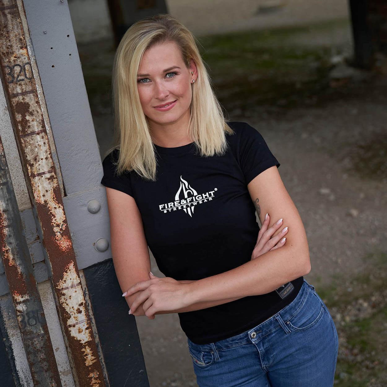 Gaffen filmen teilen labern - Helfen Frauen T-Shirt