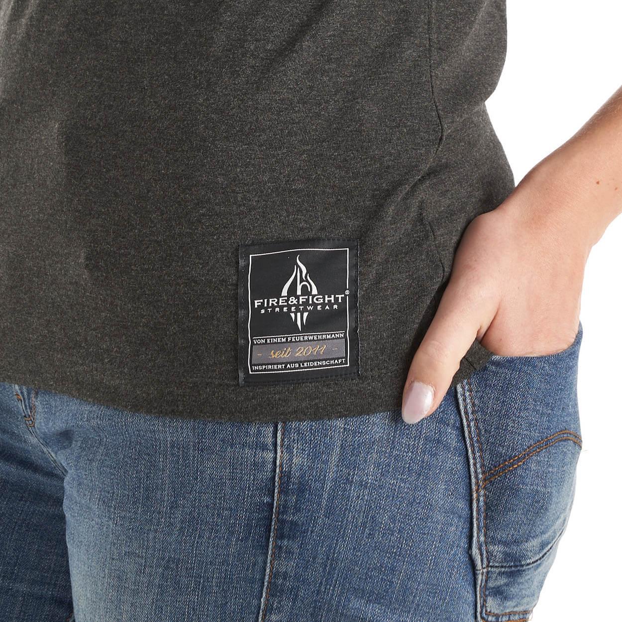 FIRE & FIGHT Streetwear® Logodesign Frauen T-Shirt